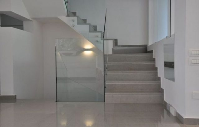 Prestigious stone for floors